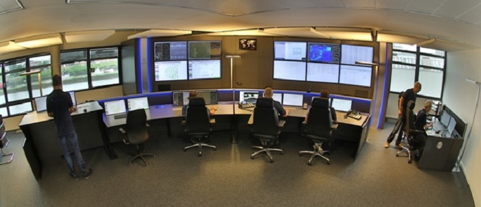 In the 24/7 control room over 2,000 turbines are monitored